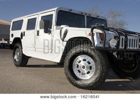 White Hummer 2