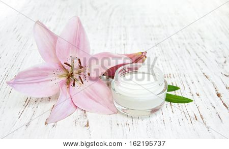 Lily And Beauty Cream