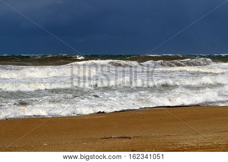paint and color of the sea is constantly changing, the sea is always different.