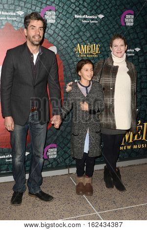 LOS ANGELES - DEC 16:  Hamish Linklater, guest, Lily Rabe at the