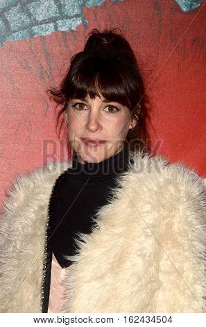 LOS ANGELES - DEC 16:  Lindsay Sloane at the