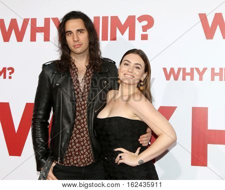 LOS ANGELES - DEC 17:  Nick Simmons, Sophie Simmons at the