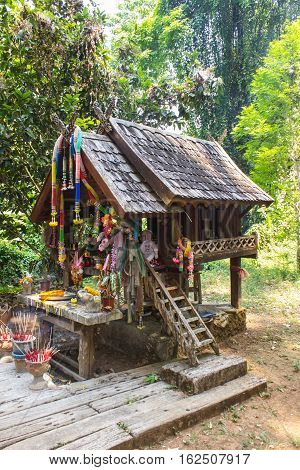 Thai spirit wood house for Thai angel