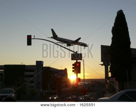 Commercial Jet_Traffic Landing