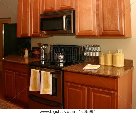 Modern American Kitchen Withyellow And White Highlights