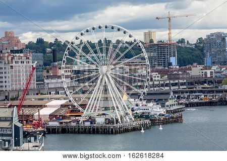 Waterfront architecture of Seattle featuing the new ferris wheel