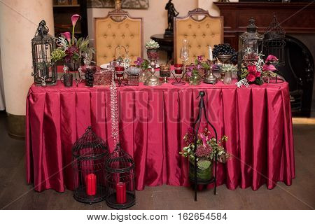 red wedding decor, red wedding decor, table of newly married