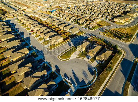Sunset Suburban Homes North of Austin near Round Rock , Texas as Texas expands more and more homes are built in Modern Neighborhood Communities at Dead End Cul De Sac