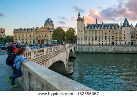 View Over The Bridge Pont En Change To The Ile De La Cite With In Paris, France