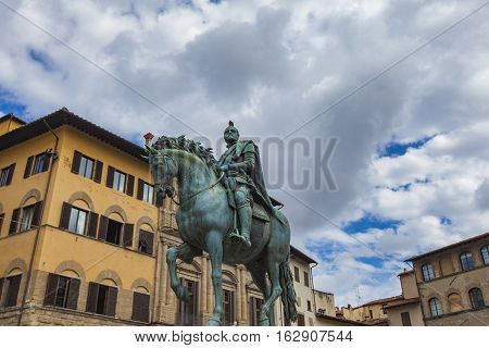 Statua Equestre Di Cosimo In Florence