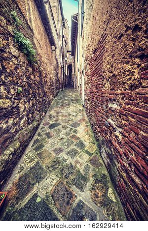a narrow backstreet in Montepulciano in Italy