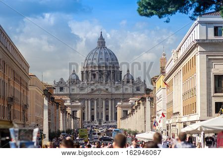 Vatican, St. Peter's Cathedral View, Crowded, Full Of Turist During Autumn