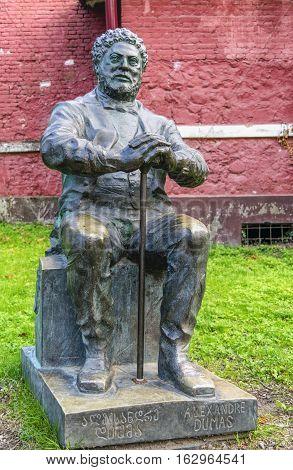 bronze statue of alexandre dumas in poti georgia photo was made 10.11.2016