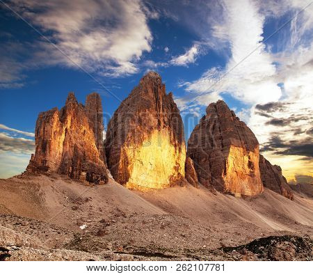 Morning View Of Drei Zinnen Or Tre Cime Di Lavaredo, Sextener Dolomiten Or Dolomiti Di Sesto, South
