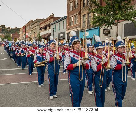Morgantown, Wv - 5 October 2018: Homecoming Parade Down Main Street Of Morgantown With High School M