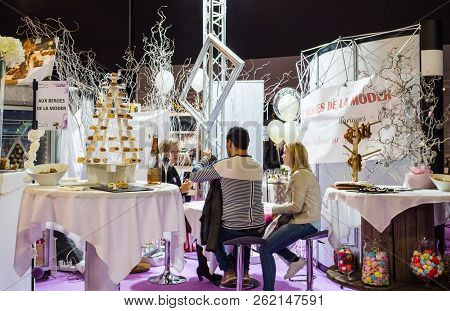 Paris, France - Oct 6, 2018: Wedding Exhibition Paris 2018 With People - Customers And Exhibitions P