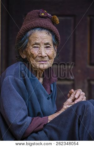 Bam Phoansa At , Laos - Aug 14 : Laotian Old Woman From The Village Bam Phoansa At , Laos On August