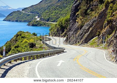 View of lake Wakatipu along the highway towards Queenstown, New Zealand