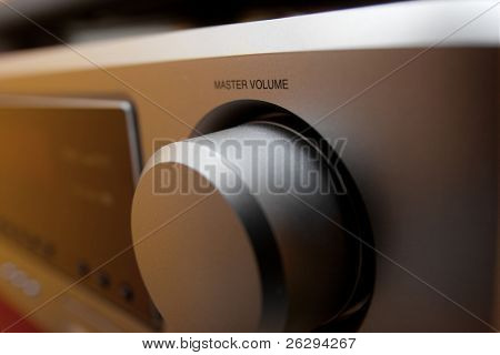 Volume knob on a hi-fi amplifier (Shallow dof)