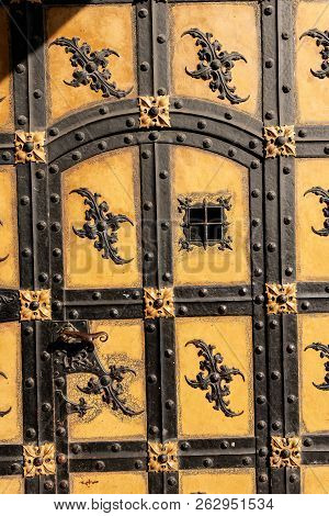 Close Up Of An Ancient Door Of The Neue Rathaus Of Munich (new Town Hall) Xix Century Neo-gothic Sty