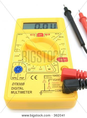 Digital Multimeter 04