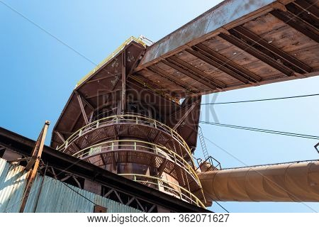Sloss Furnaces National Historic Landmark, Birmingham Alabama Usa, Extreme Upward View Of Circular W