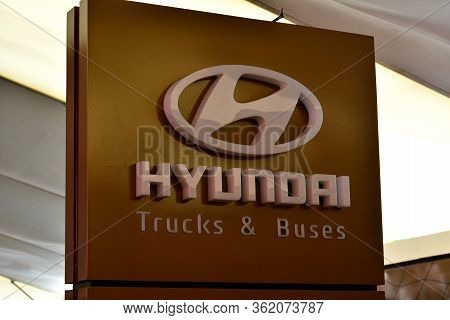 Pasay, Ph - Apr 1- Hyundai Trucks And Buses Sign At Manila International Auto Show On April 1, 2017
