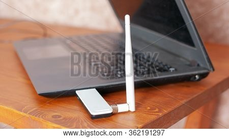 Signal Amplification Wifi Router, Laptop With Antenna For High Speed Internet.