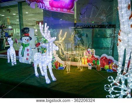 Lampang, Thailand - December 14, 2019:festival Winter Season Or Christmas Light Decoration At Nakhon