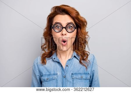 Close Up Photo Of Astonished Funny Woman Look Impressed On Sales Discount Novelty Scream Shout Wear