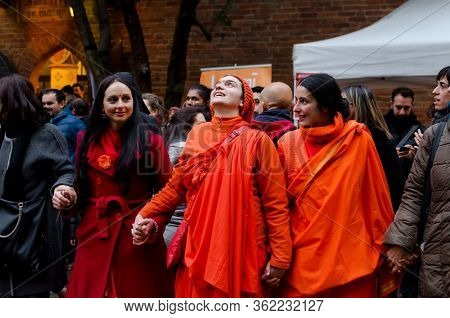 Turin, Italy - November 06, 2016 - Hinduist Women With Traditional Dresses Singing And Praying Toghe