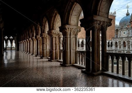 Venice, Italy - May 24, 2016 - Colonnade And Balcony In The Courtyard Of The Doge's Palace (palazzo