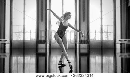 3D Ballerina In Light Classic Pointe Shoes And Ballet Tutu.