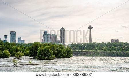 Niagara Falls, Ny, Usa - June 12, 2019: Niagara River Rapids With Canada In The Background