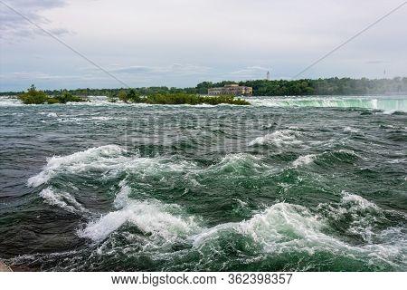 Niagara Falls State Park - Niagara River Rapids And Horseshoe Falls Scenery, Ny, Usa