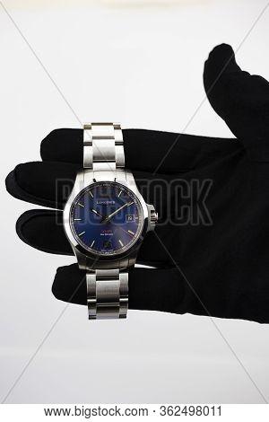 Saint-imier, Switzerland 31.03.2020 - Closeup Image Of Longines Watch In The Male Palm Longines Man