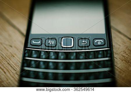 London, United Kingdom - Apr 21, 2013: Tilt-shift Lens Used On Blackberry Palm Vintage Smartphones T