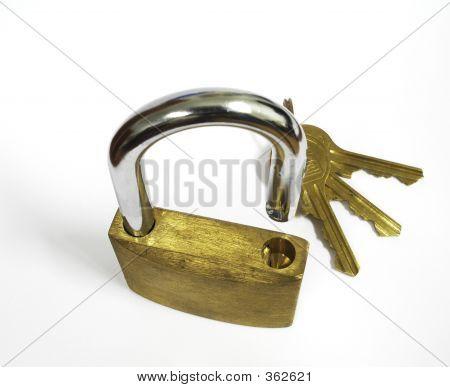 Padlock Weave And Keys