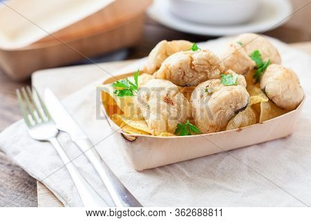 Deep Fried Fish Served With Potato Chips