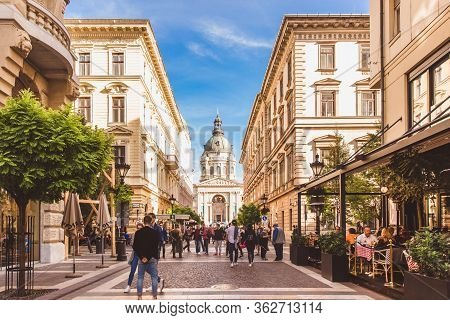 Budapest, Hungary - October 19, 2019: Budapest Historical Center, Picturesque Streets To Saint Steph