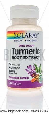 Winneconne,  Wi - 23 April 2020:  A Bottle Of Solaray Turmeric Root Extract Curcumin On An Isolated