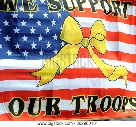 We Support Our Troops Usa American Flag.