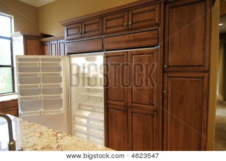Open Sub Zero Refridgerator Door