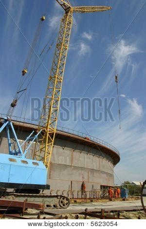 Oil tank erection