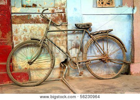 old vintage bicycle in jodhpur rajasthan india