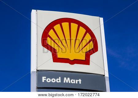 Indianapolis - Circa February 2017: Signage And Logo Of Shell Gasoline. Royal Dutch Shell Plc Is Bas