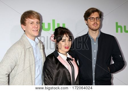 PASADENA - JAN 7:  Josh Thomas, Emily Barclay, Thomas Ward at the HULU TCA Winter 2017 Photo Call at the Langham Hotel on January 7, 2017 in Pasaden, CA