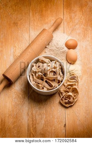 homemade integral pasta with ingredients