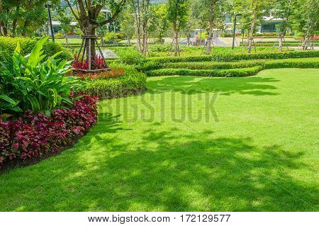 Landscaped Formal Garden,front yard with garden design,Peaceful Garden with tree shade