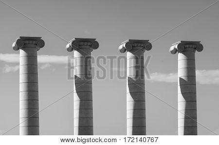 Barcelona (Catalunya Spain): the hill of Montjuich: four columns. Black and white